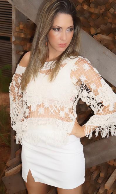 Uma das peças que escolhi foi essa blusa, toda feita artesanalmente